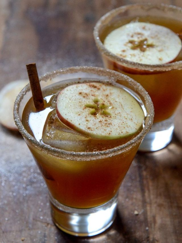 spiced-amaretto-apple-cider-kiss